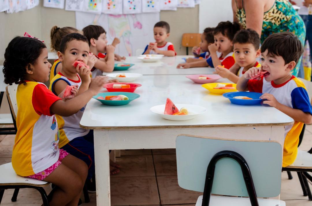 Imagem Merenda escolar balanceada garante alimentação saudável nas Unidades de Ensino