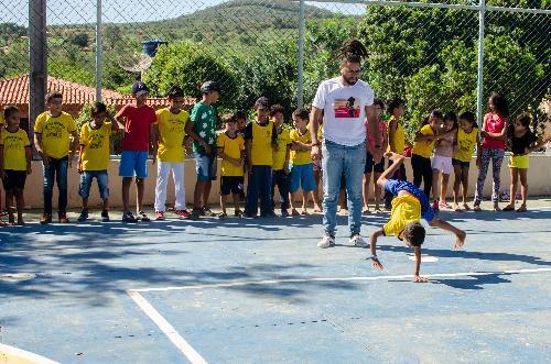 Imagem Programa leva aulas gratuitas de capoeira a Escolas do Campo de Piripá